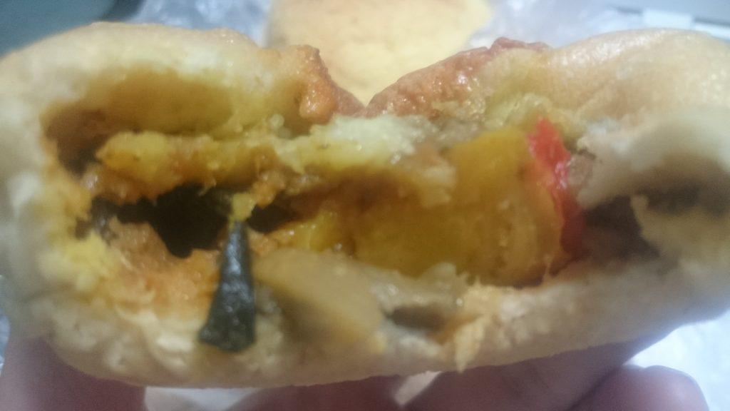 カトレアの焼きカレーパン