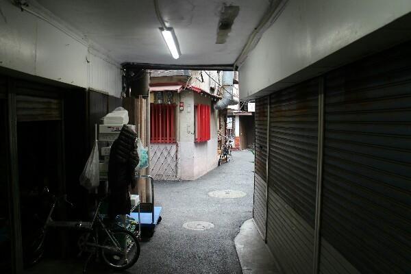 昭和館の裏通りの様子