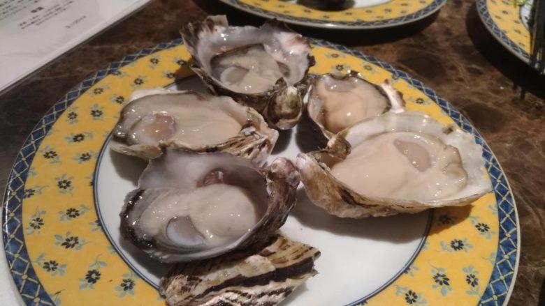 旬の牡蠣食べ比べ5種牡蠣盛り