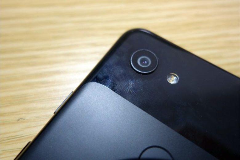 Google Pixel 3aの外観(カメラ)